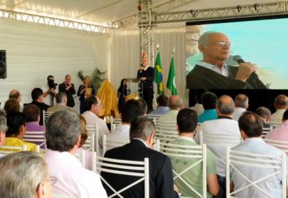 Thame discursa na solenidade de inauguração da ETE